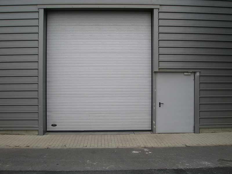 Sezionale-porta-laterale